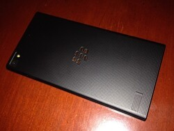 More BlackBerry Z3 hands-on photos turn up
