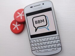 Persuading iPhone and Android users to download BBM