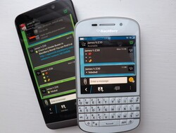 CrackBerry Asks: Are you now using a wallpaper with BBM?