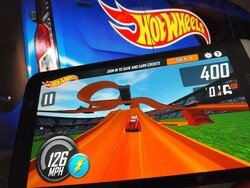 Rev up Hot Wheels on your BlackBerry 10 device