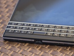 Grab the BlackBerry Passport from Expansys right now!