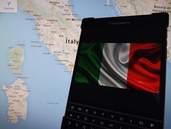 BlackBerry Passport now available in Italy - Priced at €649