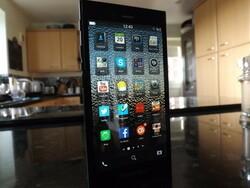 Order the BlackBerry Z3 SIM free in the UK