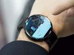 This is what BBM is like on Android Wear