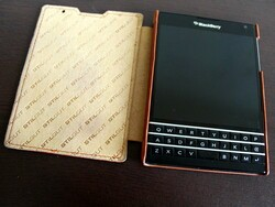 Stilgut Leather Flip case for BlackBerry Passport review