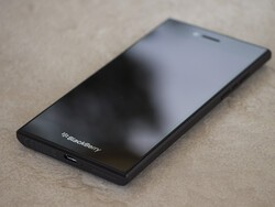 BlackBerry Leap now available for purchase from Infibeam