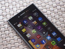 BlackBerry Leap arrives in Singapore May 23rd