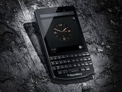 BlackBerry Porsche Design P'9983 Graphite launches in India