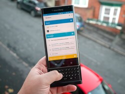 Searching is easy with the BlackBerry Priv keyboard
