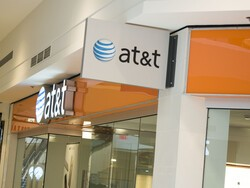 AT&T ditches monthly overages for reduced data speeds