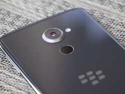BlackBerry and TCL sign software and brand licensing deal