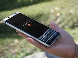 Download this free BlackBerry KEYone shield wallpaper!