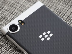 Using the physical keyboard to adjust manual camera controls on KEYone