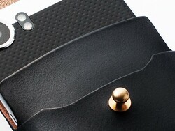 Win an exquisite BlackBerry KEYone case from SatchelSatchel and CrackBerry!