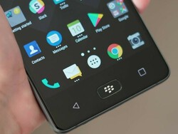 How to access notifications using the home button on the BlackBerry Motion