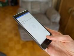 How to set up the fingerprint sensor on the BlackBerry Motion