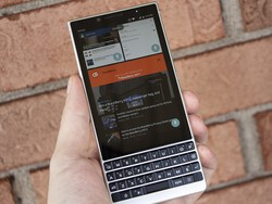 How to change the Recents multitasking view on BlackBerry KEY2