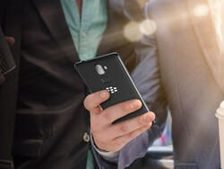 January update for the BlackBerry Evolve brings improved camera performance
