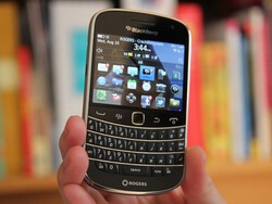 BlackBerry OS 7 devices will continue to be supported through the transition to BlackBerry 10