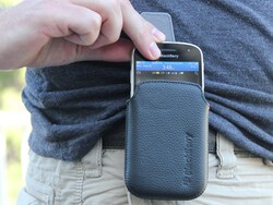 BlackBerry Leather Holster for the BlackBerry Bold 9930 / 9900 Review