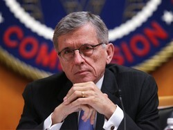 FCC approves new net neutrality rules