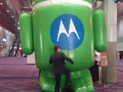 What Happens In Vegas Stays in Vegas.... Except this Picture of Me Kneeing a Droid Bot in the Nuts and Bolts!