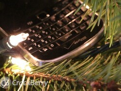 Deck out your BlackBerry for the holidays with these wallpapers, ringtones and themes