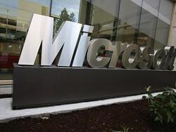 Microsoft signs licensing agreement with RIM