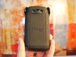 OtterBox Defender Series Case for BlackBerry Torch 9850 and 9860 Review