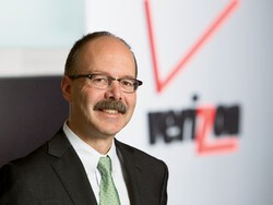 Steven Zipperstein selected as new Vice President and Chief Legal Officer of Research In Motion