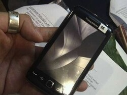 New device photo emerges - Is this the BlackBerry Storm 3??
