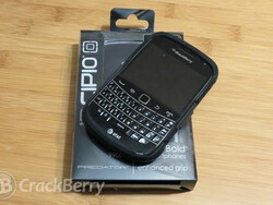 Keep your BlackBerry Bold 9900/9930 safe and stylish with the Incipio PREDATOR case