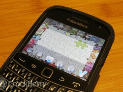 Turn your BlackBerry into a jigsaw game board with Puzzle Theme by BB-Freaks