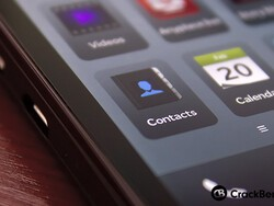 Top 10 tips for BlackBerry 10 contacts
