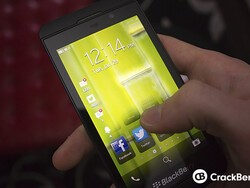 Canadian and U.K. carriers report strong early BlackBerry Z10 sales