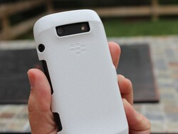 Get protection and style with the BlackBerry Hard Shell case for the BlackBerry Torch 9850/60