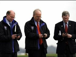 Could A CrackBerry Addiction Bring Down Karl Rove?