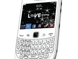 White BlackBerry Curve 3G heading to Phones4u UK