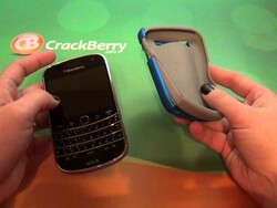 Review: Incipio Silicrylic Case for BlackBerry Bold 9900 and Bold 9930