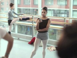T-Mobile BlackBerry Bold 9780 commercial hits the air