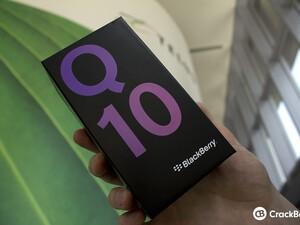 TELUS BlackBerry Q10 in box