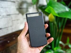 Porsche Design BlackBerry 10 device in the works?