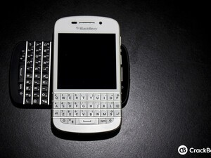 BlackBerry Q10 now available in white at TELUS and Bell