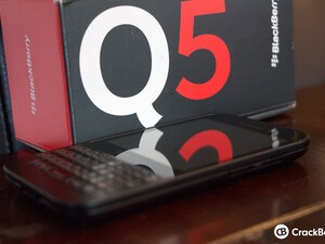 BlackBerry Q5 now available in Canada