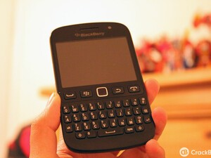 BlackBerry 9720 now available from Carphone Warehouse