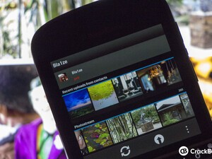 FlickrUp brings a native Flickr experience to BlackBerry 10