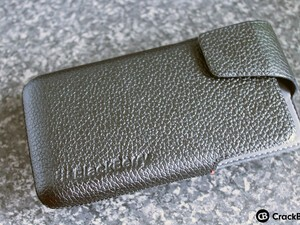 First Look: BlackBerry Z30 Leather Holster Case