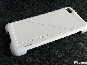 First look: BlackBerry Z30 Transform Shell Case