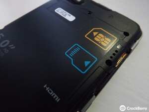 How to insert the SIM card and microSD with the BlackBerry Z30