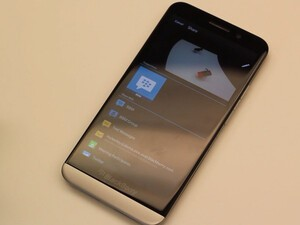 BlackBerry's Michael Clewley shows us his favorite OS 10.2 features